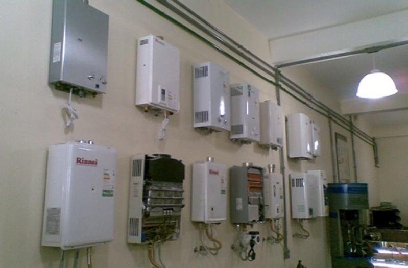 Instalação de aquecedor a gás Rinnai de comércio em Embura