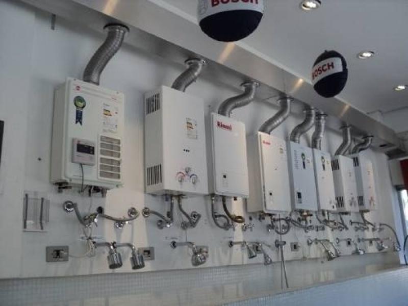Instalação de aquecedor Komeco de loja na Vila Emir