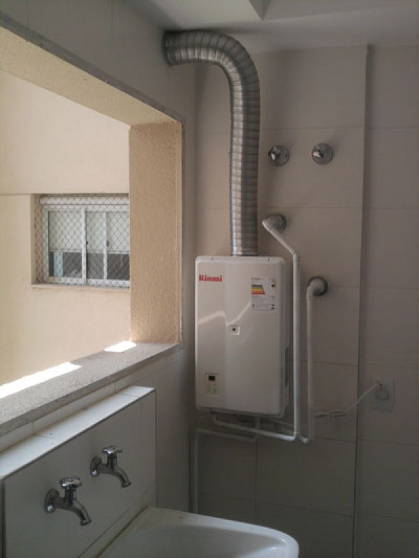 Instalação de Aquecedor Solar na Vila Capelinha