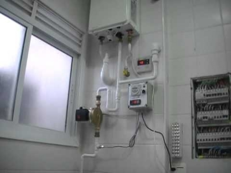 Aquecedor de acumulação a gás na Vila Cachoeira