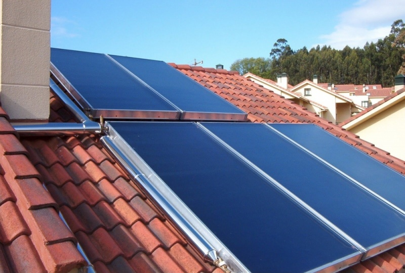 Aquecedor solar na Vila Raquel