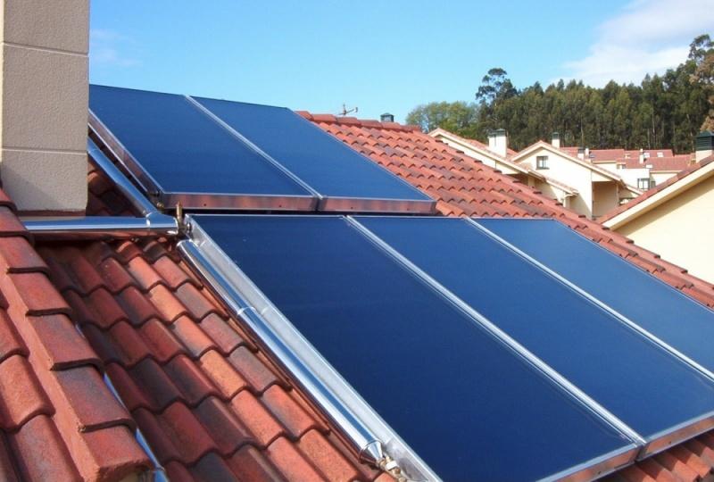 Aquecedores solares no Jardim Santa Emília