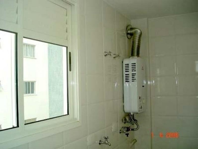 Instalação aquecedor a gás na Estância Mirim