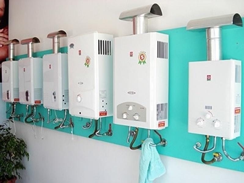 Instalação de aquecedor a gás na Vila Carolina