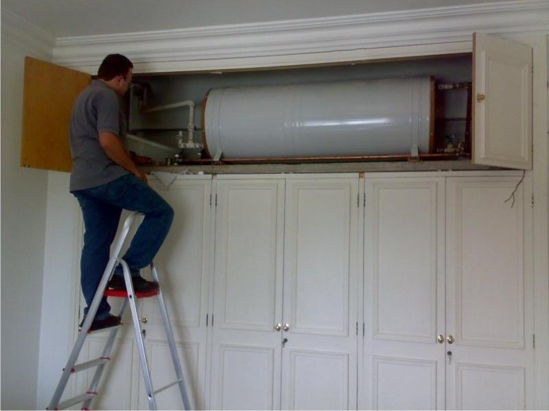Instalação de aquecedores de água na Vila Vergueiro