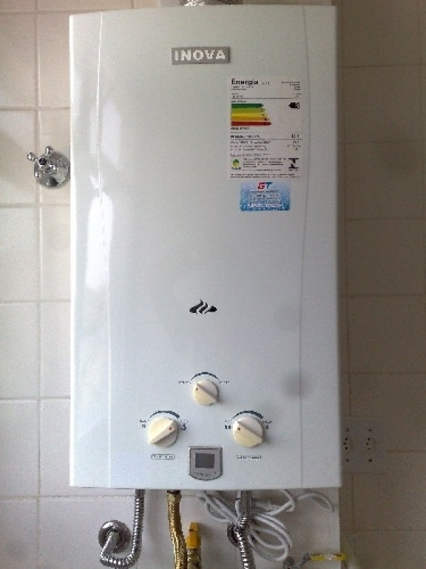 Instalações de aquecedor de gás na Vila Doutor Eiras
